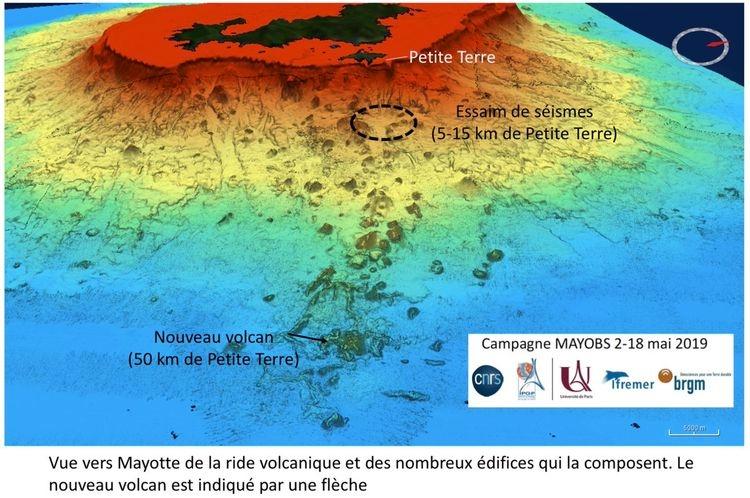 Naissance-du-volcan-sous-marin-Mayotte